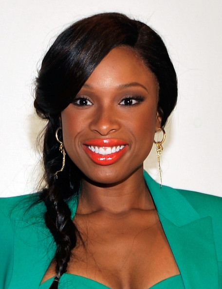 Jennifer Hudson wears a tangerine lipstick at New York Fashion Week for Project Runway.