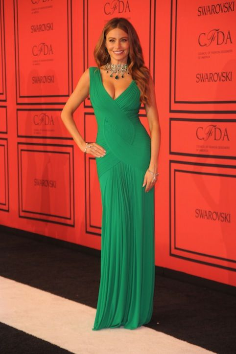 Sofia Vergara in emergald green gown.