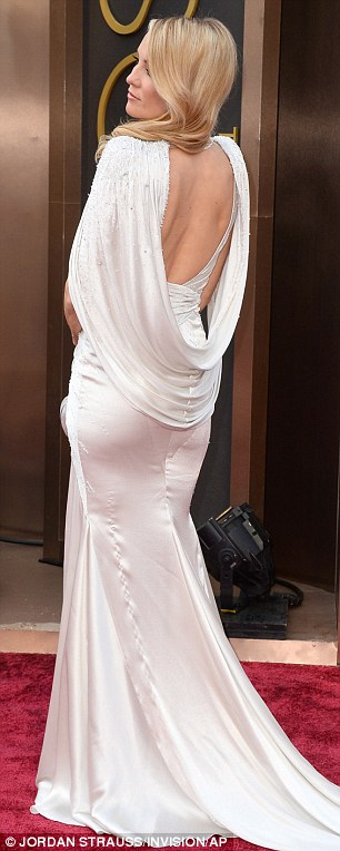 The back view of Kate Hudson's Versace dress. (Getty)
