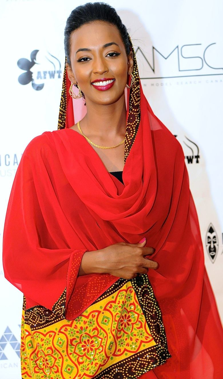 Model wears traditional inspired garment by Farida's Style. (Photo Mastering Image)
