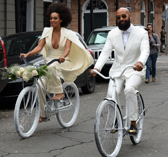 The bride and groom arrived on bikes for their nuptials.  (photo Elle.com)