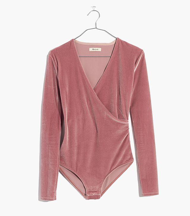 Velvet bodysuit by Madewell (https://www.madewell.com/ca/p/G9967?color_name=mauve-shadow&srcCode=MWAFFI00001&siteId=25ZRSXYPVYg-VgLOQSzFcrFpruIB1S1hjg)